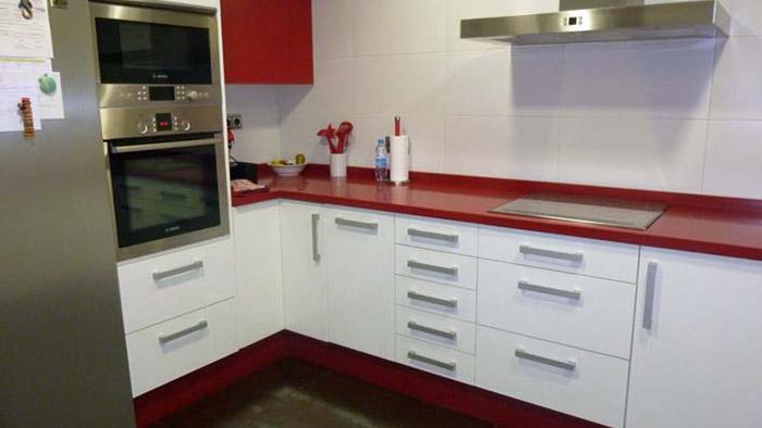 Cocina speco blanco-rojo